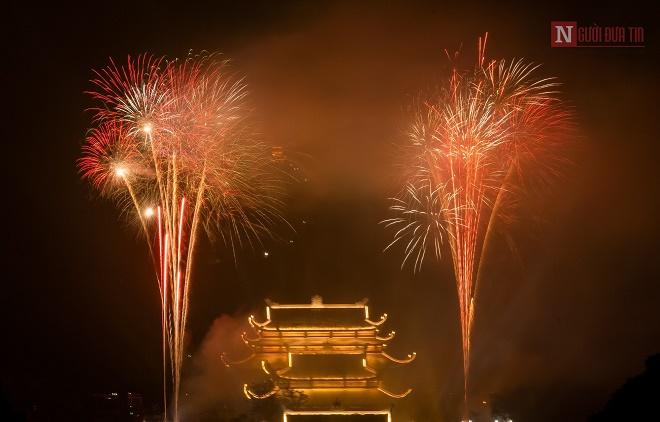 Mãn nhãn ngắm nhìn dàn pháo hoa tại Đại lễ Phật đản Vesak 2019 - Ảnh 9
