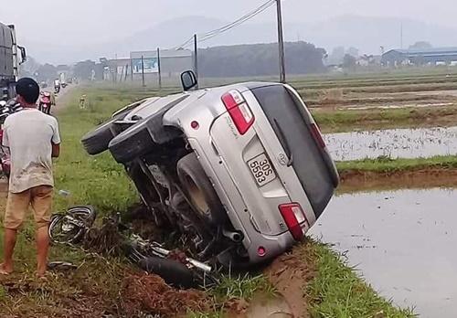 Nghệ An: Đi làm ruộng, người phụ nữ bị ô tô đâm tử vong - Ảnh 1