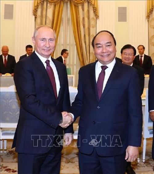 Thủ tướng Nguyễn Xuân Phúc hội kiến Tổng thống Nga Vladimir Putin - Ảnh 2