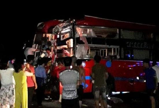 Hai xe khách giường nằm tông nhau tại Gia Lai khiến 33 hành khách hoảng loạn - Ảnh 2