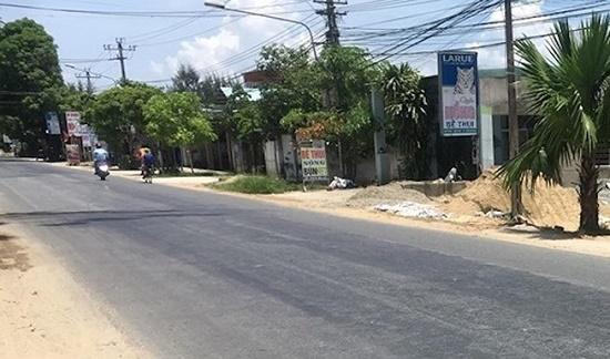 Truy tìm tài xế tông chết 2 mẹ con trong đêm rồi bỏ trốn tại Quảng Nam - Ảnh 1