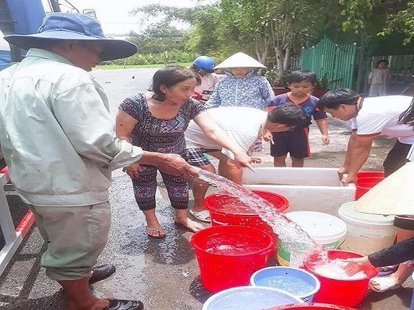 Hậu Giang: Sông ô nhiễm, người dân điêu đứng vì thiếu nước sạch - Ảnh 2