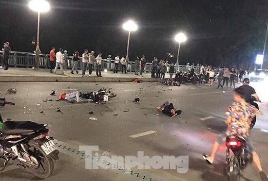 Hai xe máy đấu đầu trong đêm, 4 người thương vong tại Lạng Sơn - Ảnh 1