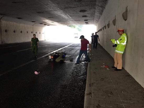 Hà Nội: Phát hiện người đàn ông tử vong bất thường tại hầm chui đại lộ Thăng Long - Ảnh 1