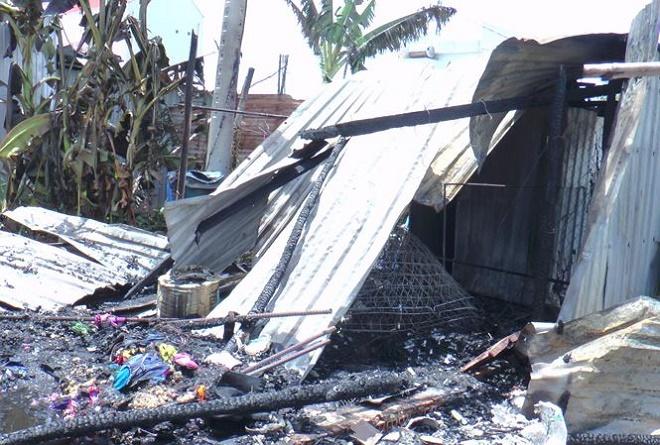 Cháy lớn do nổ bình ga thiêu rụi hoàn toàn 2 căn nhà tại Bạc Liêu - Ảnh 1