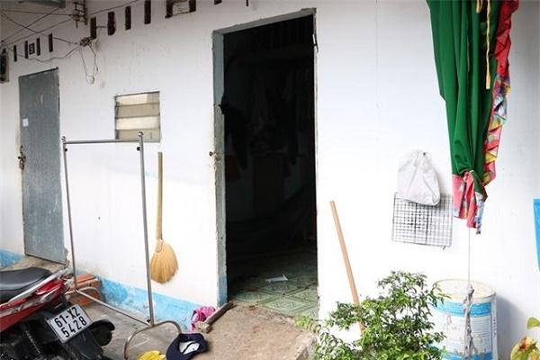 Án mạng lúc 4h sáng ở Hà Nội: Cha tử vong bên vũng máu nghi do con trai sát hại - Ảnh 3