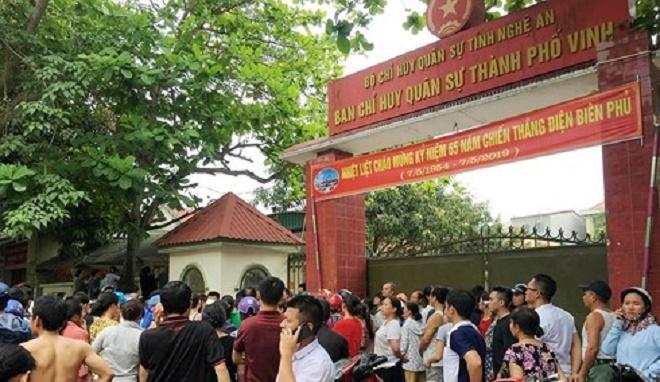 Hỏa hoạn tại trường mầm non ở Nghệ An, hàng trăm người nháo nhào tìm con - Ảnh 2