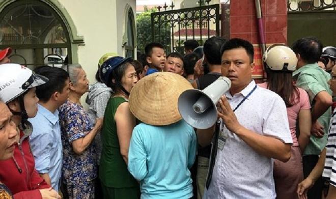 Hỏa hoạn tại trường mầm non ở Nghệ An, hàng trăm người nháo nhào tìm con - Ảnh 3