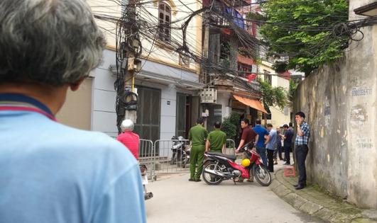 Án mạng lúc 4h sáng ở Hà Nội: Cha tử vong bên vũng máu nghi do con trai sát hại - Ảnh 2