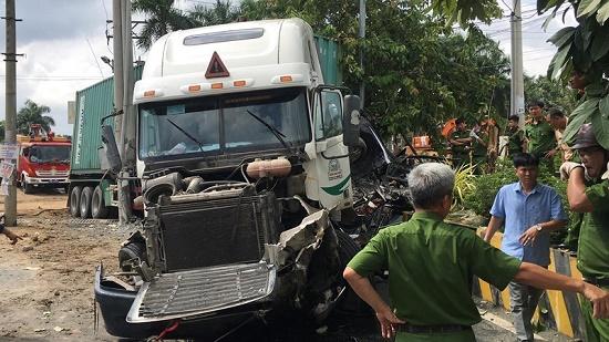 Vụ container tông nát ô tô tại Tây Ninh: Số nạn nhân tử vong tăng lên 5 người - Ảnh 1