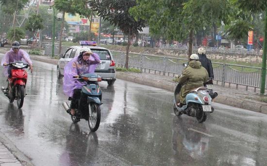 Dự báo thời tiết tháng 6: Hà Nội sẽ có 2-3 đợt nắng nóng - Ảnh 2