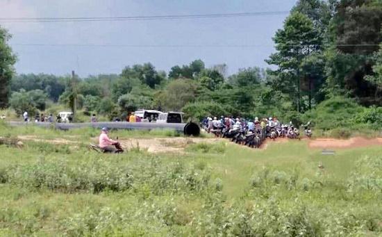 Phát hiện người đàn ông chết bất thường cạnh xe máy ở Bình Dương - Ảnh 2