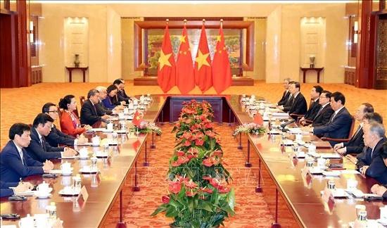 Chủ tịch Quốc hội Nguyễn Thị Kim Ngân hội đàm với Chủ tịch Nhân đại Trung Quốc - Ảnh 2