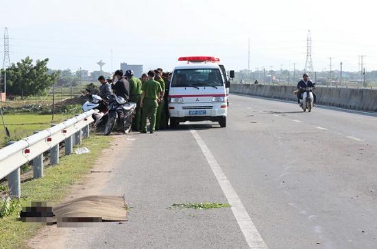 Ninh Thuận: Truy tìm đối tượng gây tai nạn, bỏ mặc thi thể nạn nhân bên đường - Ảnh 1