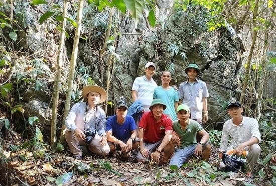 """Người dân phát hiện động """"Mê cung"""" với nhũ thạch tuyệt đẹp ở miền Tây Quảng Trị - Ảnh 4"""
