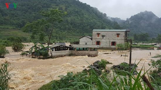 Mưa lớn gây nhiều thiệt hại ở Cao Bằng, hơn 900 ngôi nhà bị ngập lụt - Ảnh 2