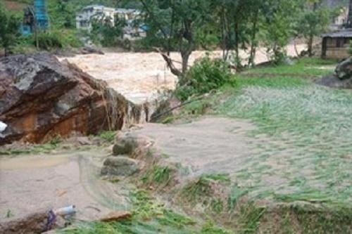 Mưa lớn gây nhiều thiệt hại ở Cao Bằng, hơn 900 ngôi nhà bị ngập lụt - Ảnh 1