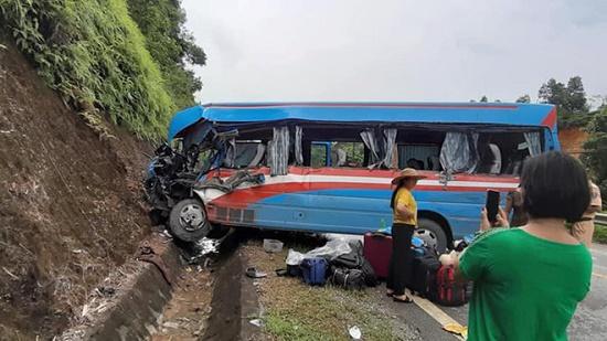 Vụ tai nạn 3 người tử vong ở Tuyên Quang: Tạm giữ hình sự tài xế xe đầu kéo - Ảnh 1