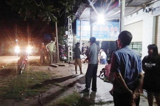 Vụ nam thanh niên bị đâm gục trong đêm: Xác đinh danh tính 2 nghi phạm bỏ trốn - Ảnh 1