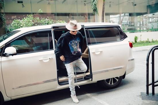 """Tiết lộ loại """"nước uống thần kì"""" Sơn Tùng M-TP luôn mang theo trong Sky Tour 2019 - Ảnh 2"""