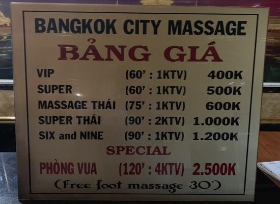 Bắt quả tang 3 nữ nhân viên đang massage kích dục cho khách hàng tại TP.HCM - Ảnh 1