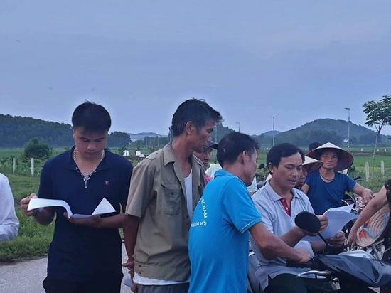 Hà Nội: Người dân gỡ lều bạt, thông đường vào bãi rác Nam Sơn sau gần 1 tuần chặn xe - Ảnh 2
