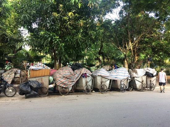 Hà Nội: Người dân gỡ lều bạt, thông đường vào bãi rác Nam Sơn sau gần 1 tuần chặn xe - Ảnh 6
