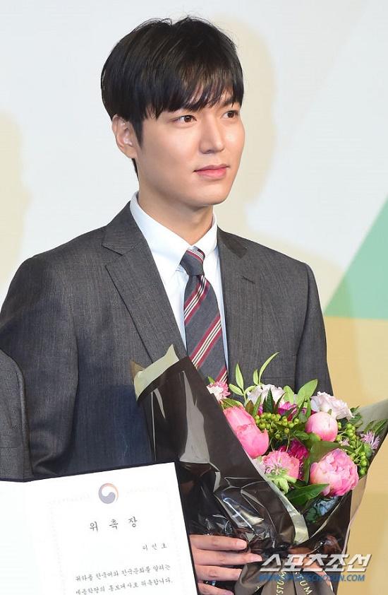Mỹ nam Hàn Quốc Lee Min Ho đẹp 'gây thương nhớ' trong sự kiện mới - Ảnh 6
