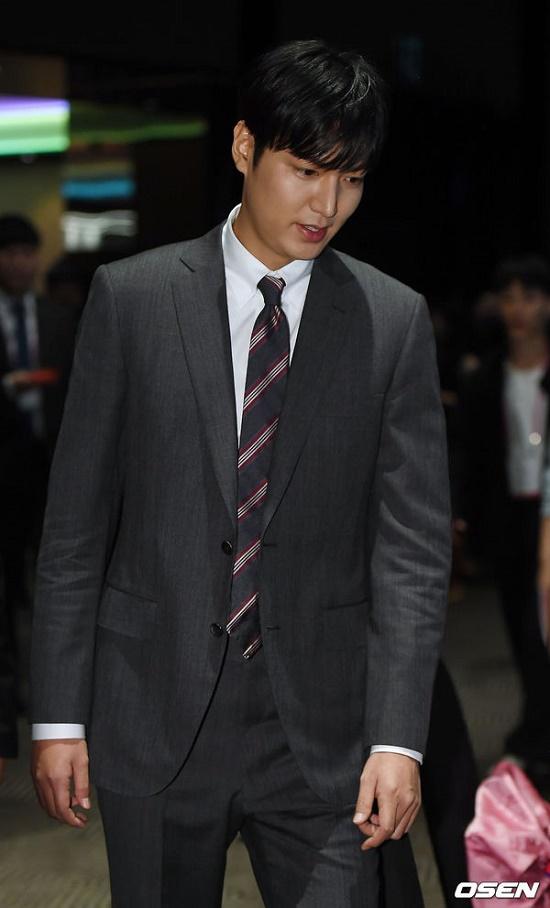 Mỹ nam Hàn Quốc Lee Min Ho đẹp 'gây thương nhớ' trong sự kiện mới - Ảnh 9