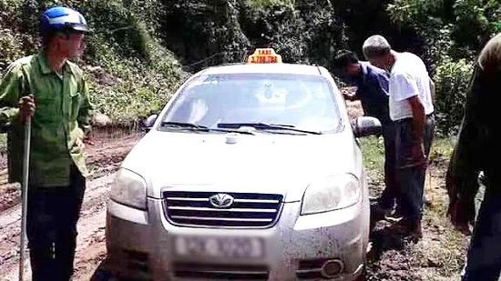 Vụ tài xế taxi bị 3 người Trung Quốc sát hại: Bất ngờ lời khai các nghi phạm - Ảnh 2