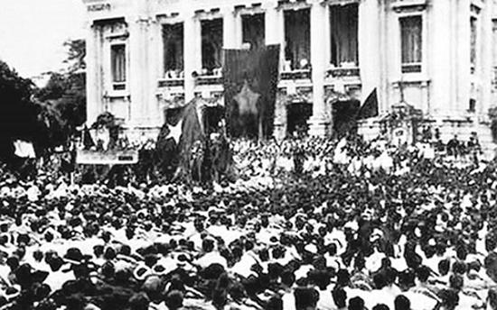 Nhớ những ngày tháng 8/1945 hào hùng qua ảnh tư liệu - Ảnh 4