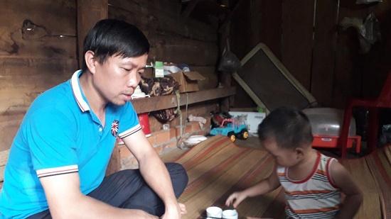 Vụ tài xế bỏ rơi sản phụ đang trở dạ ở Bình Phước: Cha kể lại giây phút con chào đời - Ảnh 1