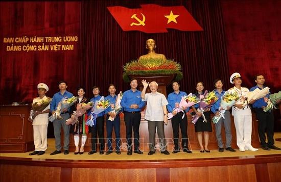 Tổng Bí thư, Chủ tịch nước Nguyễn Phú Trọng gặp mặt đảng viên trẻ tiêu biểu làm theo lời Bác - Ảnh 2