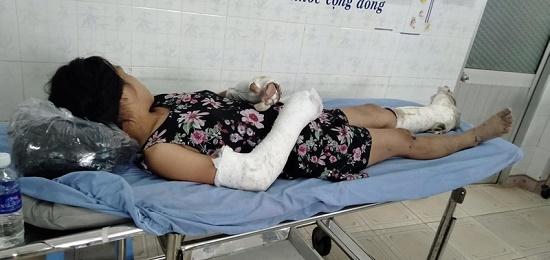 Thai phụ bị chồng đánh gãy cả tay, chân bất ngờ trốn khỏi bệnh viện - Ảnh 1