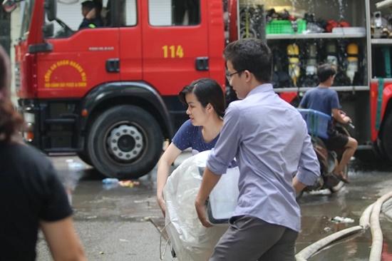 Công ty bóng đèn phích nước Rạng Đông tan hoang sau vụ cháy kinh hoàng - Ảnh 7