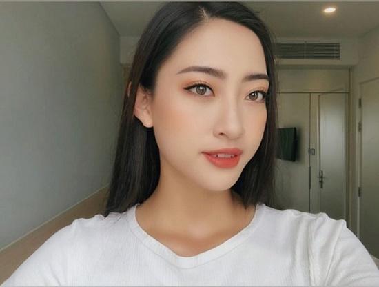 Hoa hậu Lương Thùy Linh xuất hiện rạng rỡ cùng dàn á hậu sau đêm đăng quang - Ảnh 9