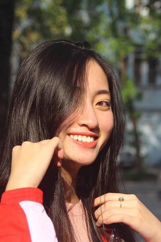 Hoa hậu Lương Thùy Linh xuất hiện rạng rỡ cùng dàn á hậu sau đêm đăng quang - Ảnh 11