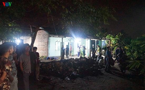 Hiện trường vụ nghịch tử dùng dao sát hại bố và anh vợ tại Quảng Ninh - Ảnh 4