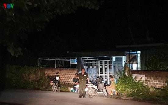 Hiện trường vụ nghịch tử dùng dao sát hại bố và anh vợ tại Quảng Ninh - Ảnh 9