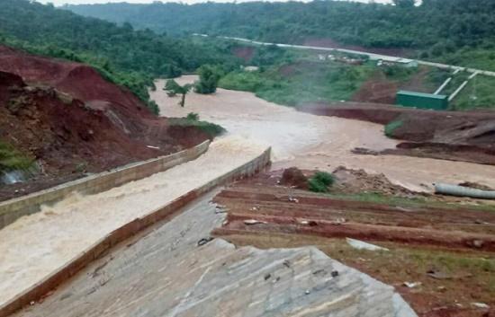Hồ thủy điện 13 triệu m3 ở Đắk Nông có nguy cơ vỡ đập - Ảnh 1