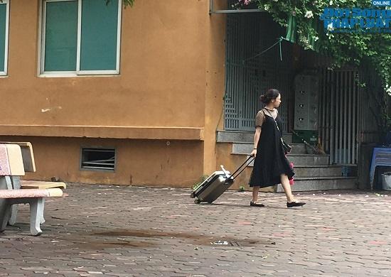 Hai tuần sau vụ cháy công ty Rạng Đông: Chung cư lác đác đèn, phố Hạ Đình đìu hiu khác lạ - Ảnh 17