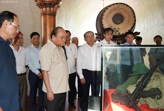 Thủ tướng dâng hương tại Thành cổ Quảng Trị - Ảnh 3