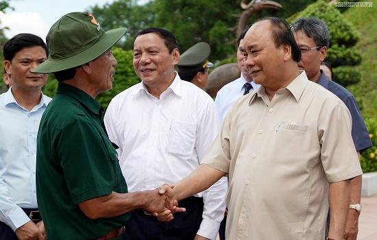 Thủ tướng dâng hương tại Thành cổ Quảng Trị - Ảnh 4
