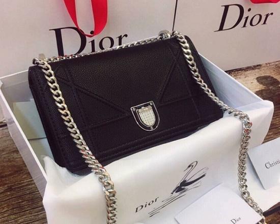 Nguyên nhân nào khiến túi xách hàng hiệu Dior có giá cao ngất ngưởng? - Ảnh 10