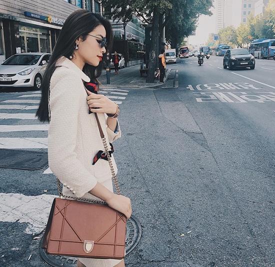 Nguyên nhân nào khiến túi xách hàng hiệu Dior có giá cao ngất ngưởng? - Ảnh 11