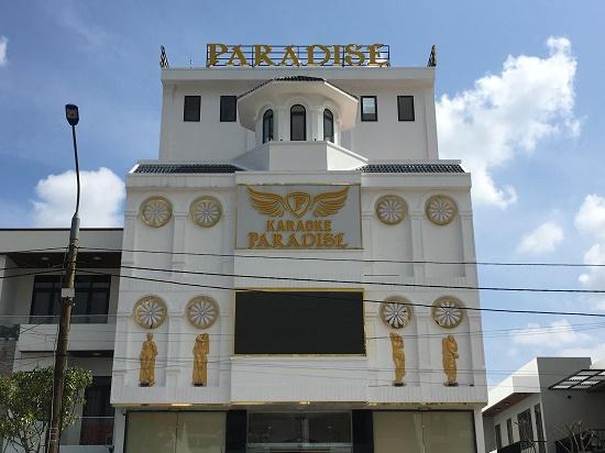 """Vụ cảnh sát đột kích quán karaoke Paradise: Lộ tuổi đời những """"bóng hồng"""" và dân chơi xăm trổ - Ảnh 1"""