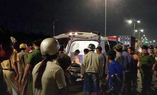 Tài xế ô tô công nghệ bất ngờ tử vong trên đường đi mua xăng  - Ảnh 1