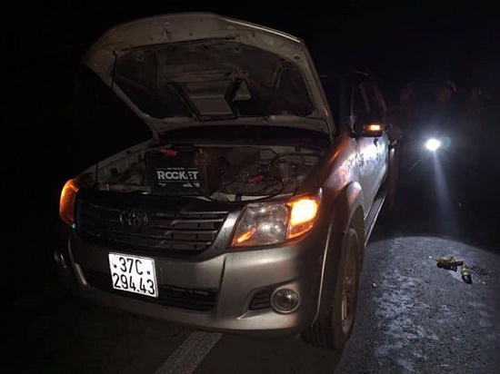Nghệ An: Truy tìm ô tô gây tai nạn 2 người thương vong rồi bỏ trốn - Ảnh 1