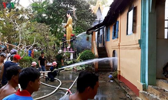 Tăng xá trong ngôi chùa cổ hơn nghìn năm tuổi ở Trà Vinh bị lửa lớn thiêu rụi - Ảnh 4