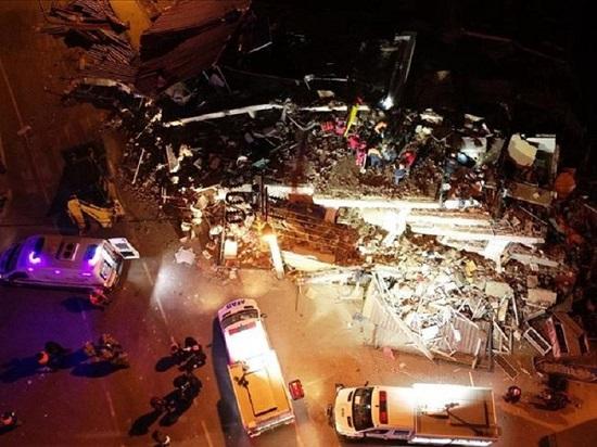 Động đất độ lớn 6,8 rung chuyển Thổ Nhĩ Kỳ, ít nhất 18 người tử vong - Ảnh 1